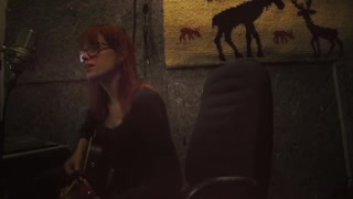 Talented Artist Covers 'Fast Car' By Tracy Chapman - Video
