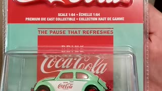 GREENLiGHT Coca-Cola themed Vw Beetle deluxe Chase car