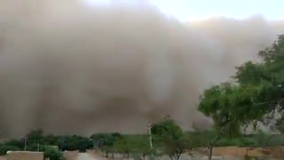 Insane dust storm in Jaisalmer, India will blow your mind