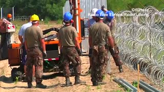 France criticises Hungary's fence to stop migrants - Video