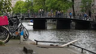 Samuel L Jackson Stunt Double Crashes into Pedalo with Speed Boat on Amsterdam Canal - Video