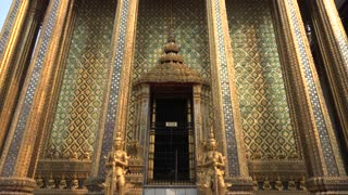 Wat Phra Kaew & Grand Palace, Bangkok, Thailand - Video