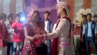 Duhla & Duhlan Funny Dance  - Video