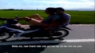 Driving motorcycle with legs - Video