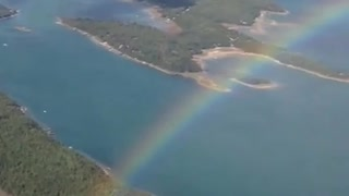 Rainbow from an airplane - Video