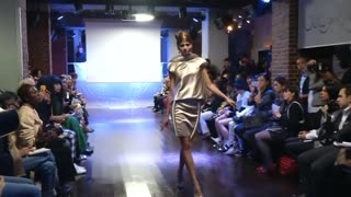 Corrie Nielsen kicks of Paris Fashion Week - Video