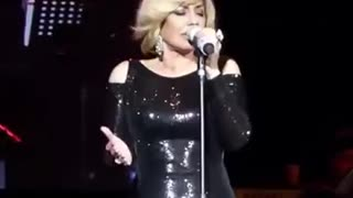 Googoosh Performs a song in English
