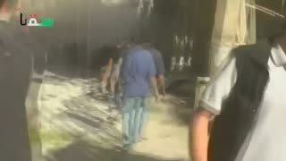 Air strike devastates Syrian town - Video