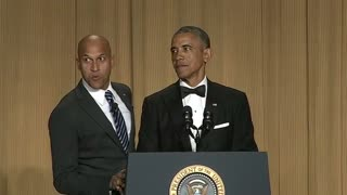 "Obama pokes fun at himself and opponents at ""nerd prom"" - Video"