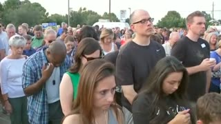 Hundreds attend vigil for sheriff's deputy in Houston - Video