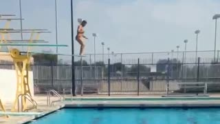 Guy Wants To Impress With His High Dive, Flunks The Landing - Video