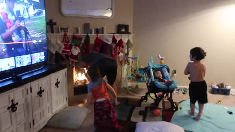 Dad pranks kids, throws Christmas