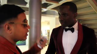 'Fake' Jay Sean sneaks into MOBO Awards in London - Video