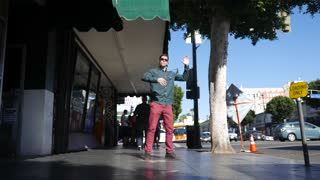 Robotic dancing on Hollywood Boulevard! - Video