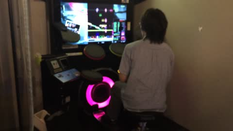 Gamer absolutely destroys arcade machine