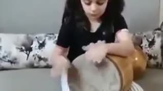 Little Persian Girl Plays Tombak  Like You Won't Believe - Video