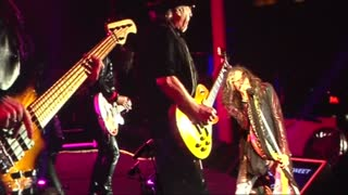 Aerosmith headline concert in Russian capital - Video