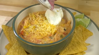 Slow-cooker chicken chili - Video
