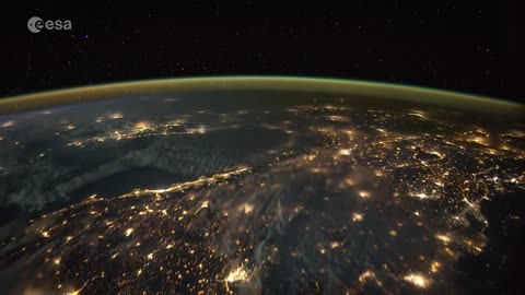 Stunning timelapse shows lightning strikes from space
