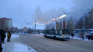 Transmission Line Catches on Fire - Video