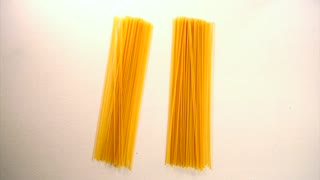 Life hack: How to accurately measure a portion of spaghetti - Video