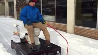 Maryland man builds a snow toilet - Video
