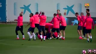 Messi, Suarez and Neymar get lost in FC Barcelona's Rondo during Training