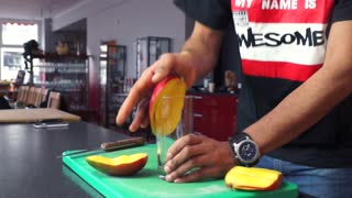 Life Hack: Fastest way to peel a mango - Video