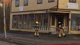 Norwegian Firefighters' Gripping Attempt to Save a Historical Building - Video