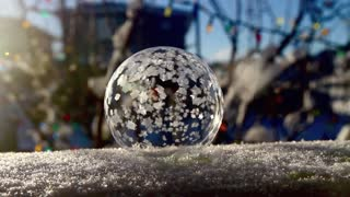 Watch a bubble freeze instantly in real-time - Video