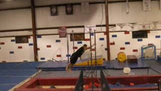 DORIAN FREE RUNNING (at Friday Open Gym) - Gymnastics Parkour Training - Video