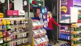 Bizarre Convenient Store Encounter - Video