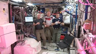 Astronauts play soccer aboard the International Space Station - Video