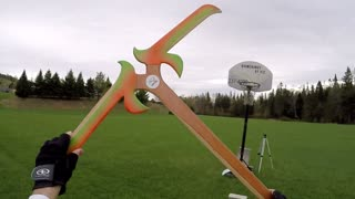 Giant boomerang makes two circles in one throw - Video