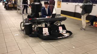 Talented Man Entertains Subway Commuters By Playing The Piano - Video