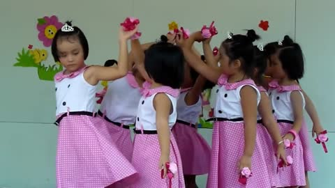 Singing dance of children in Vietnam
