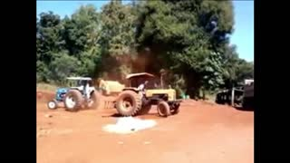 Duel Tractor - Ford vs valmet  - Video