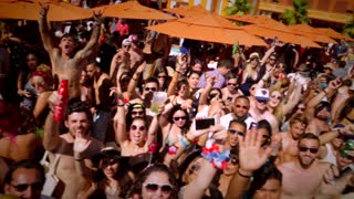 Paris Hilton DJ Set _ 4th of July @ TAO Beach _ QUICK RECAP - Video