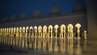 Quran Recitation at Sheikh Zayed Grand Mosque Abu Dhabi  - Video