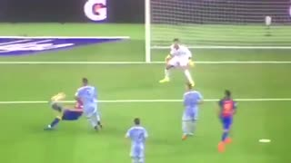 VIDEO: Suarez goal vs Sampdoria. Incredible bicycle assist by Leo Messi - Video