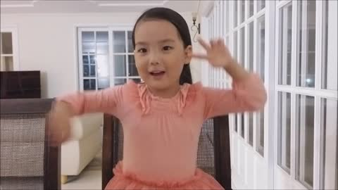 Inspirational 4-year-old preciously sings 'You Raise Me Up'