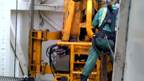 Check Out This Construction Worker Latching A Stand Of Drill Pipe 80 Feet Above The Rig Floor