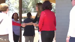 First lady Melania Trump visits southern border - Video