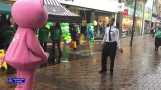 Police officer has a dance off with a Pig - Who's the winner?! - Video