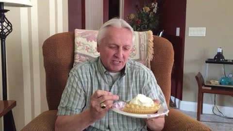 Man Really Loves Pie And His Neighbor Gary