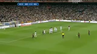 Messi LEGENDARY Free Kick Goal vs REAL MADRID - Video