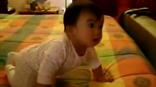 Funny baby eats like a dog - Video