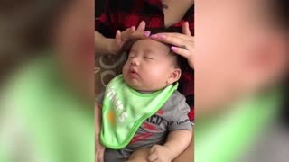 baby massage - Video