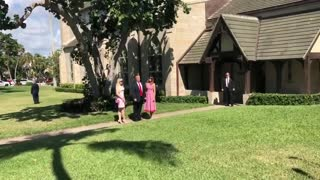Melania Stuns With Red Dress on Easter Sunday - Video