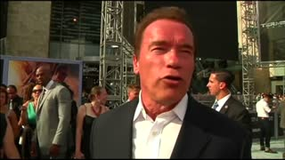 "Schwarzenegger to replace Trump on ""Celebrity Apprentice"" - Video"